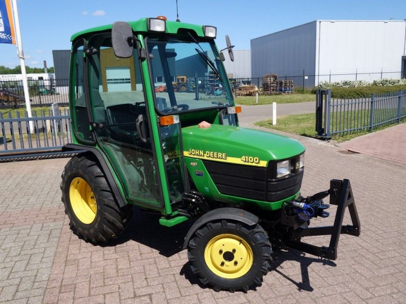 Traktor типа John Deere 4100 4wd HST / 1299 Draaiuren / Fronthef + Cabine, Gebrauchtmaschine в Swifterband (Фотография 2)