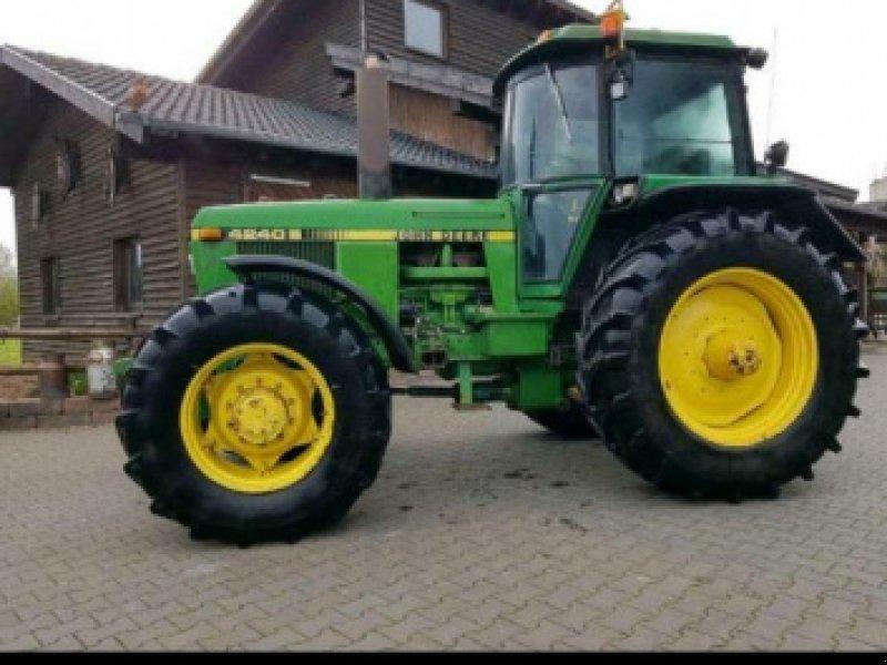 Traktor типа John Deere 4240 S, Gebrauchtmaschine в Gillenfeld (Фотография 1)