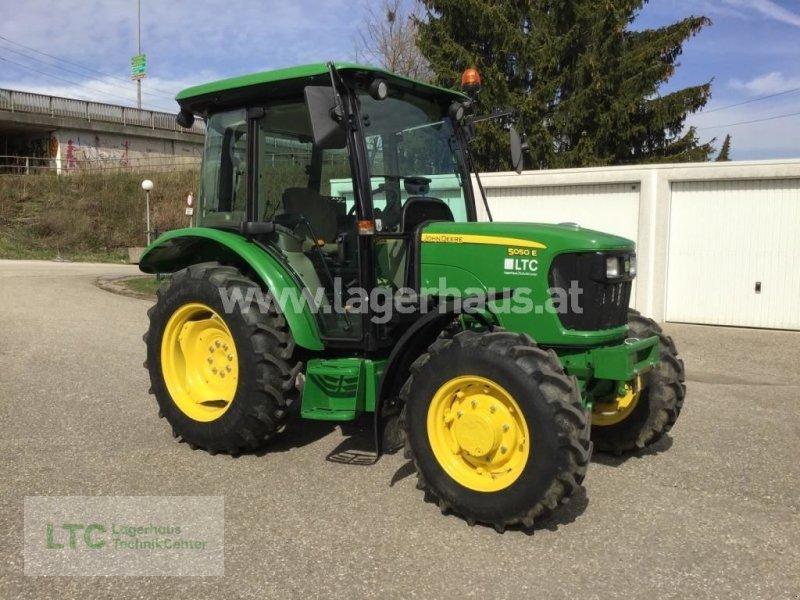 Traktor des Typs John Deere 5050 E, Gebrauchtmaschine in Attnang-Puchheim (Bild 1)