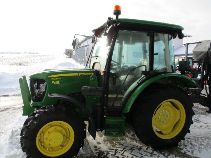 Traktor typu John Deere 5050E, Gebrauchtmaschine w Michelsneukirchen (Zdjęcie 1)