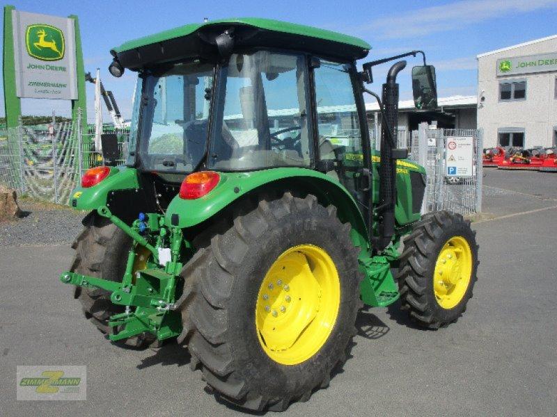 Traktor des Typs John Deere 5058E, Neumaschine in Euskirchen (Bild 3)