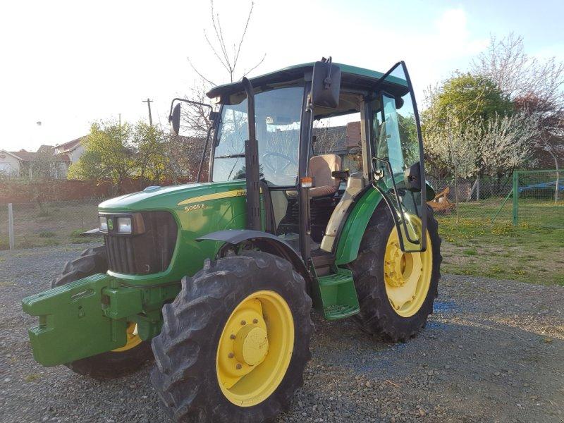 Traktor tipa John Deere 5065 E, Gebrauchtmaschine u Đakovo (Slika 1)