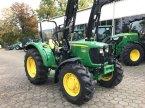 Traktor des Typs John Deere 5065E in Marxen