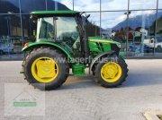 Traktor des Typs John Deere 5067 E, Neumaschine in Schlitters