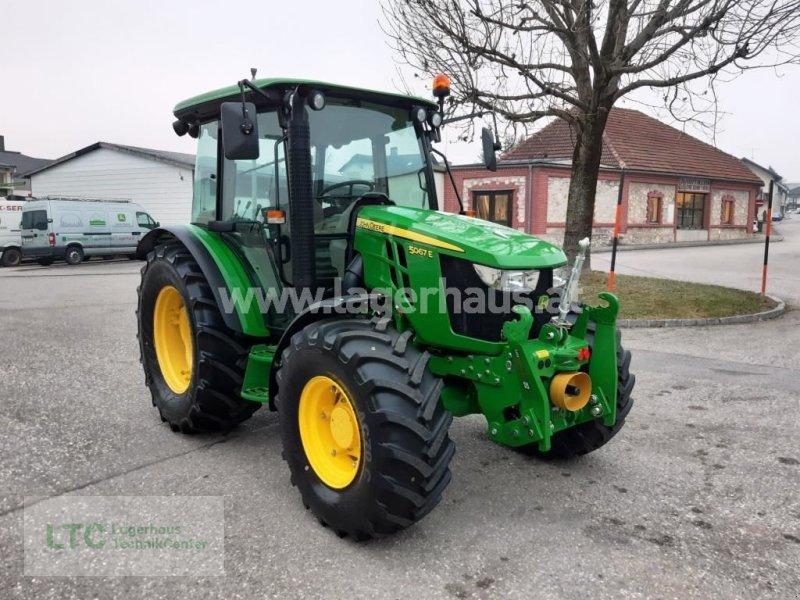 Traktor des Typs John Deere 5067 E, Gebrauchtmaschine in Attnang-Puchheim (Bild 1)