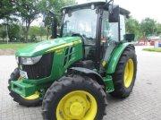 Traktor типа John Deere 5067E, Neumaschine в Sittensen