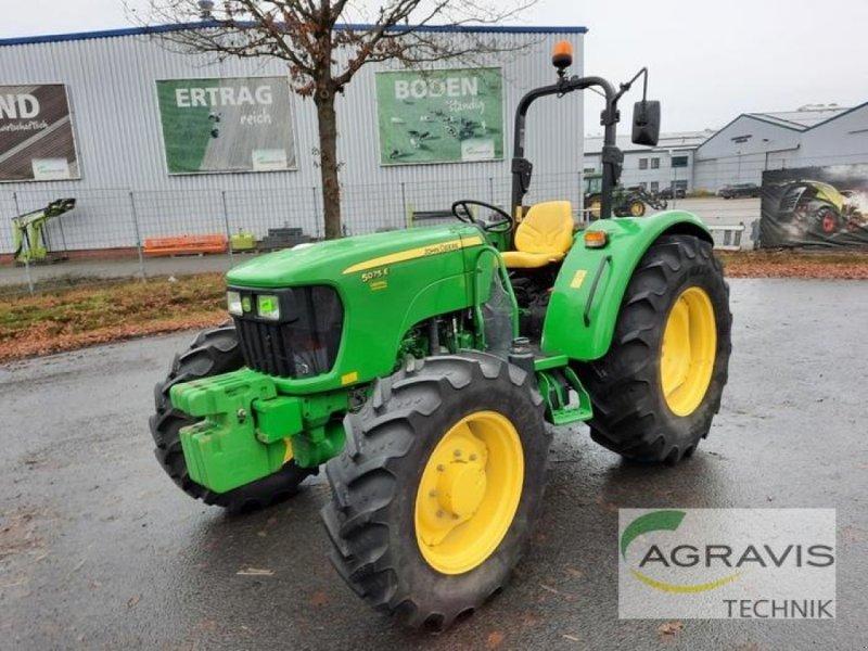 Traktor des Typs John Deere 5075 E, Gebrauchtmaschine in Meppen (Bild 1)
