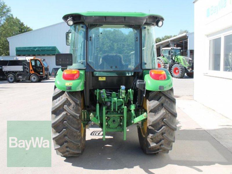 Traktor des Typs John Deere 5075 E, Gebrauchtmaschine in Straubing (Bild 5)