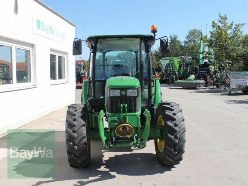 Traktor des Typs John Deere 5075 E, Gebrauchtmaschine in Straubing (Bild 4)