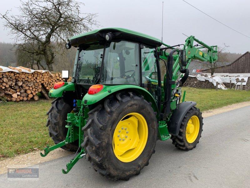 Traktor des Typs John Deere 5075 E, Gebrauchtmaschine in Lichtenfels (Bild 3)