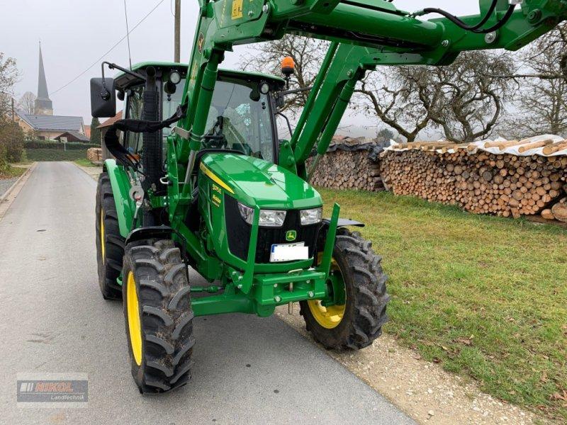 Traktor des Typs John Deere 5075 E, Gebrauchtmaschine in Lichtenfels (Bild 6)