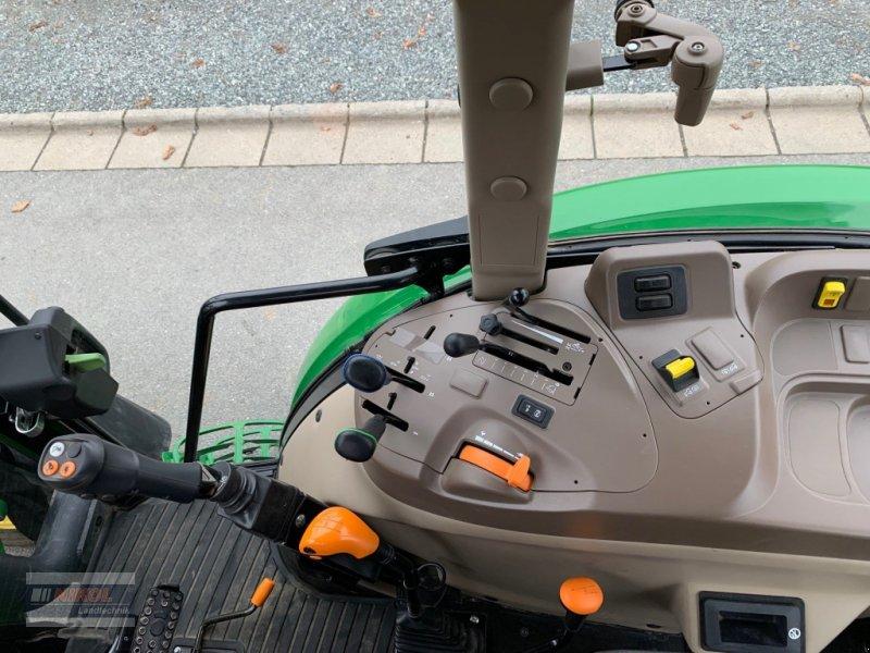 Traktor des Typs John Deere 5075 E, Gebrauchtmaschine in Lichtenfels (Bild 11)