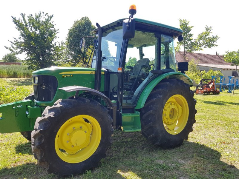 Traktor tipa John Deere 5075 E, Gebrauchtmaschine u Đakovo (Slika 1)