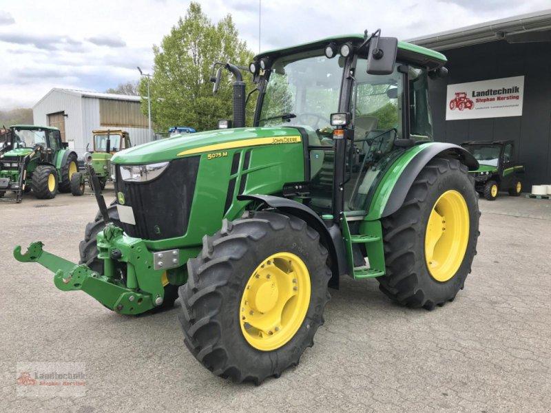 Traktor des Typs John Deere 5075 M ** nur 296 Betr.-Std.**, Gebrauchtmaschine in Marl (Bild 1)