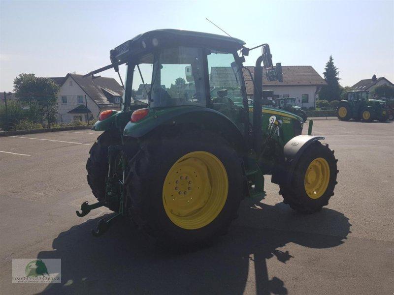 Traktor типа John Deere 5075M, Gebrauchtmaschine в Steinwiesen (Фотография 4)