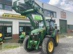 Traktor des Typs John Deere 5075M in Barsinghausen OT Gro