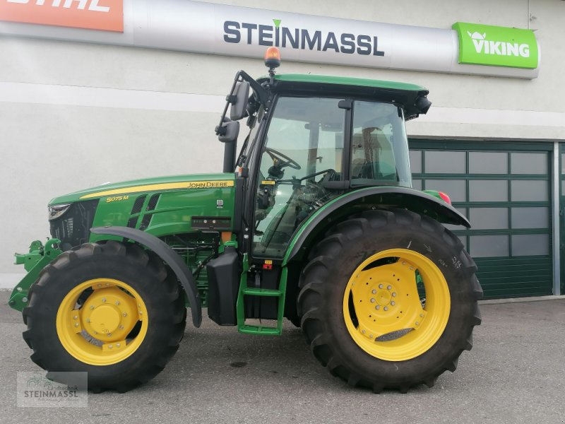 Traktor of the type John Deere 5075M, Gebrauchtmaschine in Petting (Picture 1)