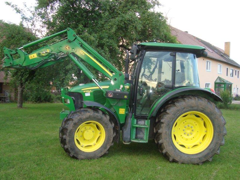 Traktor des Typs John Deere 5080 R, Gebrauchtmaschine in Emskirchen (Bild 2)