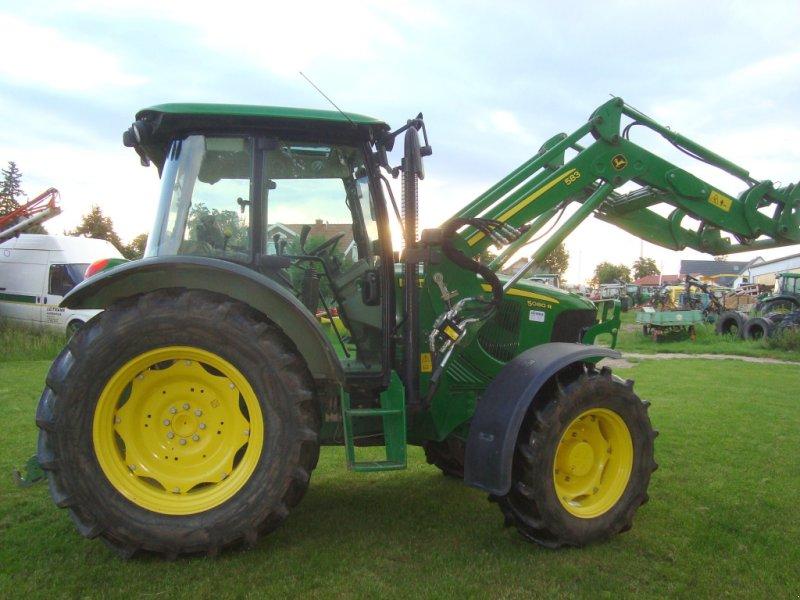 Traktor des Typs John Deere 5080 R, Gebrauchtmaschine in Emskirchen (Bild 4)
