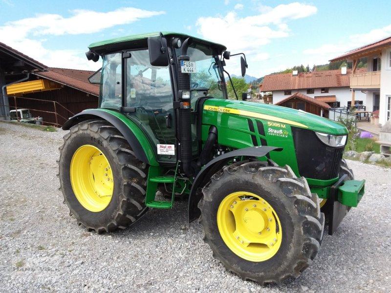 Traktor des Typs John Deere 5085 M, Gebrauchtmaschine in Antdorf (Bild 2)