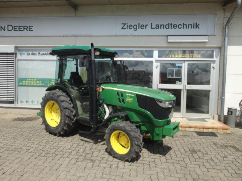 Traktor типа John Deere 5085GV, Neumaschine в Kandern-Tannenkirch (Фотография 1)