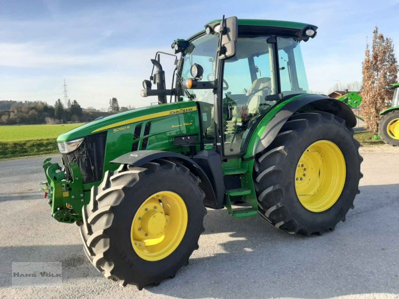 Traktor des Typs John Deere 5090 R, Gebrauchtmaschine in Antdorf (Bild 1)