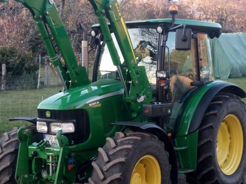Traktor des Typs John Deere 5090 R, Gebrauchtmaschine in Oschatz (Bild 1)