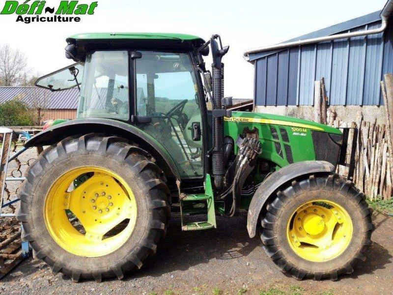 Traktor типа John Deere 5100 M, Gebrauchtmaschine в MAURIAC (Фотография 1)