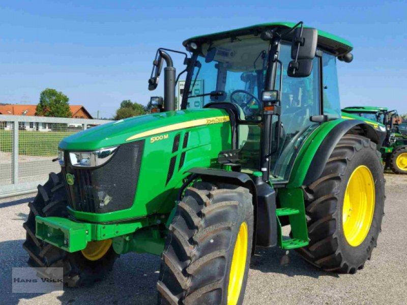 Traktor des Typs John Deere 5100 M, Neumaschine in Antdorf (Bild 1)