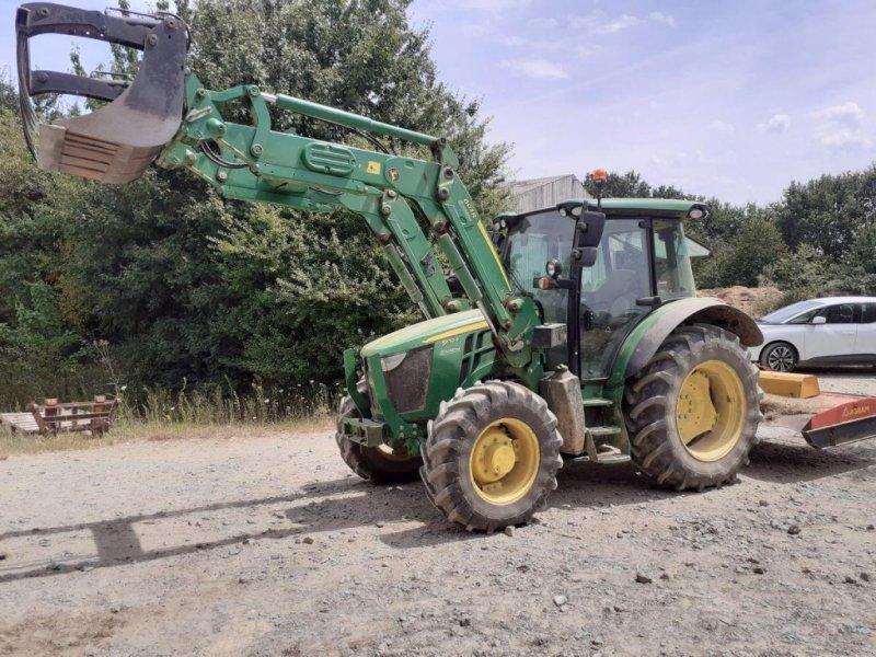 Traktor типа John Deere 5100 R CHARGEUR, Gebrauchtmaschine в BEAUPREAU (Фотография 1)