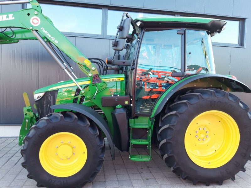 Traktor des Typs John Deere 5100 R Command8, Gebrauchtmaschine in Wülfershausen an der Saale (Bild 4)