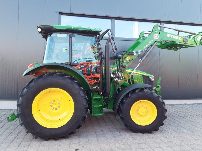 Traktor des Typs John Deere 5100 R Command8, Gebrauchtmaschine in Wülfershausen an der Saale (Bild 5)