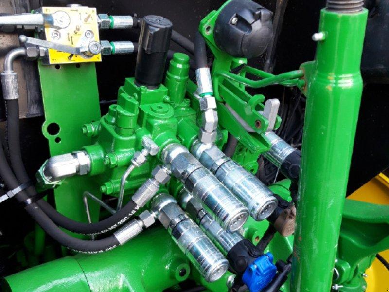 Traktor des Typs John Deere 5100 R Command8, Gebrauchtmaschine in Wülfershausen an der Saale (Bild 10)