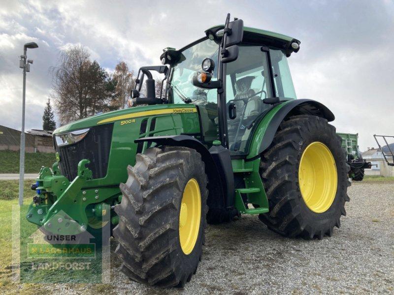 Traktor des Typs John Deere 5100 R, Neumaschine in Knittelfeld (Bild 1)