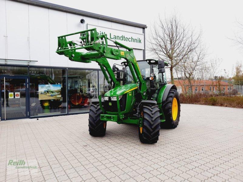 Traktor des Typs John Deere 5100 R, Gebrauchtmaschine in Siegenburg (Bild 1)