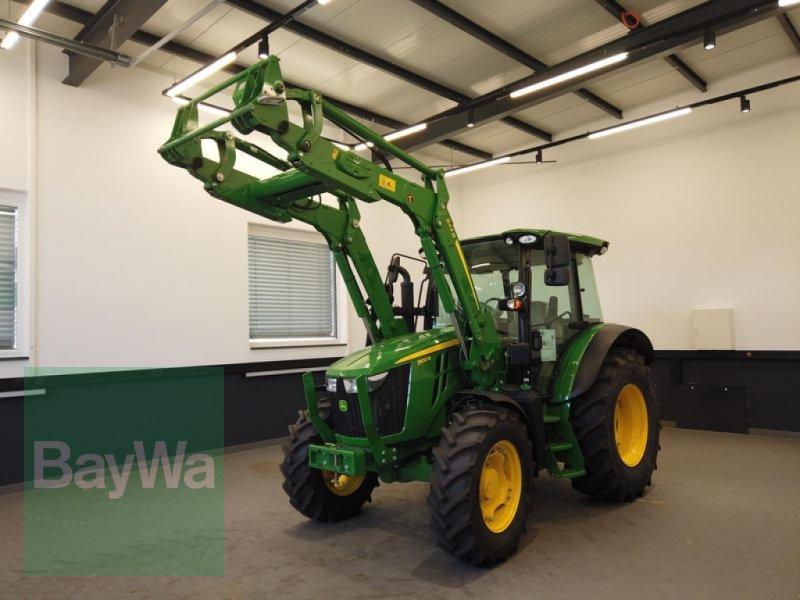 Traktor des Typs John Deere 5100 R, Gebrauchtmaschine in Manching (Bild 1)