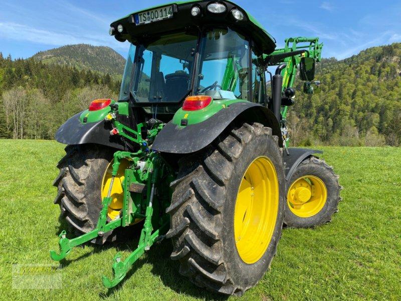 Traktor des Typs John Deere 5100 R, Gebrauchtmaschine in Söchtenau (Bild 3)