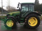 Traktor des Typs John Deere 5100 R in Niederviehbach