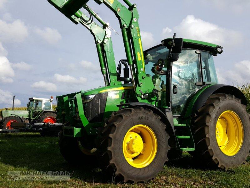 Traktor des Typs John Deere 5100 R, Gebrauchtmaschine in Höhenkirchen-Siegertsbrunn (Bild 1)