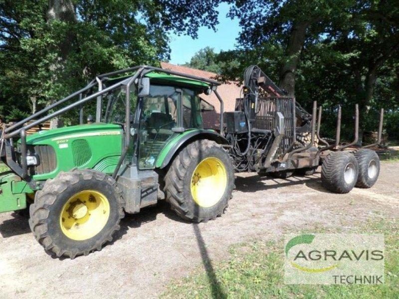 Traktor des Typs John Deere 5100 R, Gebrauchtmaschine in Uelzen (Bild 1)