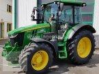 Traktor des Typs John Deere 5100 R in St. Michael