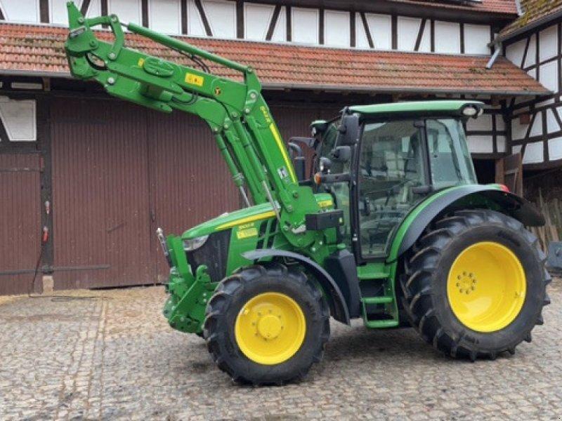 Traktor des Typs John Deere 5100 R, Gebrauchtmaschine in Marburg-Cappel (Bild 1)
