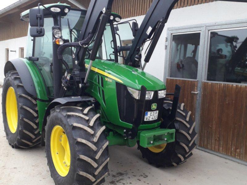 Traktor des Typs John Deere 5100 R, Gebrauchtmaschine in Isen (Bild 1)
