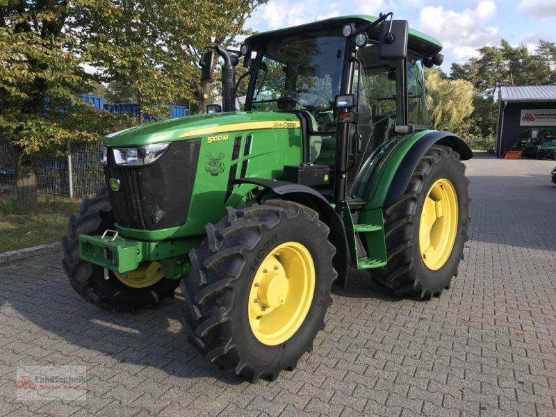 Traktor des Typs John Deere 5100M BJ' 2017 / 1600 Betr.-Std., Gebrauchtmaschine in Marl (Bild 1)