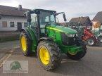Traktor des Typs John Deere 5100M in Steinwiesen-Neufang