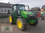 Traktor typu John Deere 5100M, Neumaschine v Steinwiesen-Neufang
