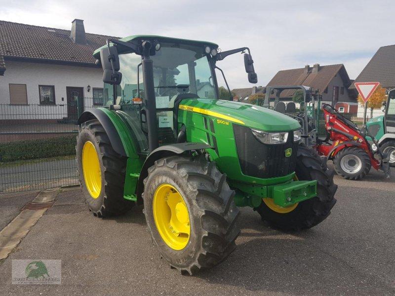 Traktor des Typs John Deere 5100M, Neumaschine in Steinwiesen-Neufang (Bild 1)