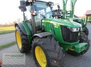 Traktor des Typs John Deere 5100R  CQ40, Neumaschine in Bad Wildungen-Wega