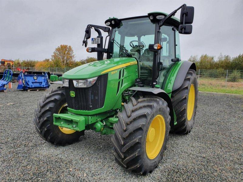 Traktor des Typs John Deere 5100R Demo, Gebrauchtmaschine in Niederkirchen (Bild 1)