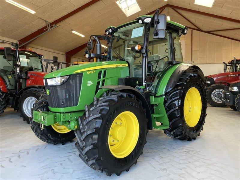 Traktor des Typs John Deere 5100R UBRUGT OG AFFJEDRET FORAKSEL!, Gebrauchtmaschine in Aalestrup (Bild 1)